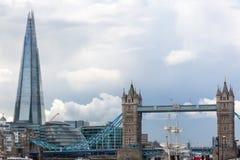 Το Shard και η γέφυρα πύργων στο Λονδίνο Στοκ Εικόνες