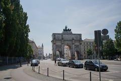 Το Siegestor σε MÃ ¼ - επισκεμμένος σε MÃ ¼ η Βαυαρία στοκ φωτογραφία με δικαίωμα ελεύθερης χρήσης