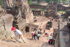 Το Siem συγκεντρώνει, Καμπότζη - 11 Δεκεμβρίου 2016: Επισκέπτες σε προ Rup σε Angkor Στοκ φωτογραφία με δικαίωμα ελεύθερης χρήσης