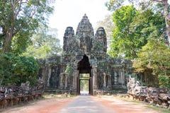 Το Siem συγκεντρώνει, Καμπότζη - 10 Δεκεμβρίου 2016: Πύλη νίκης σε Angkor Thom Στοκ φωτογραφία με δικαίωμα ελεύθερης χρήσης
