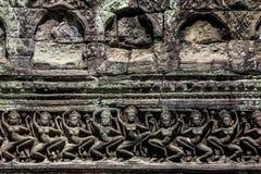 Το Siem συγκεντρώνει την αρχαία γλυπτική πετρών χορευτών apsara Angkor Wat Στοκ Εικόνα