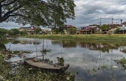 Το Siem συγκεντρώνει την πόλη στην ηλιόλουστη ημέρα στην Καμπότζη Στοκ Εικόνες