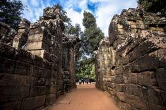 Το Siem συγκεντρώνει τον επιδρομέα τάφων Angkor Wat TA Prohm Στοκ Εικόνες