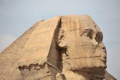 Το Sphinx σε Giza και την πυραμίδα Στοκ Φωτογραφίες