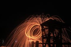 Το Steelwool κάνει τα πυροτεχνήματα στα μεσάνυχτα Στοκ Φωτογραφίες