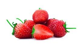 Το Strawberrys και η φράουλα μισά απομονώνουν με το άσπρο backgorund Στοκ εικόνες με δικαίωμα ελεύθερης χρήσης