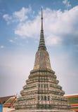 Το Stupa με το χρωματισμένο faience, Wat Arun Στοκ φωτογραφία με δικαίωμα ελεύθερης χρήσης