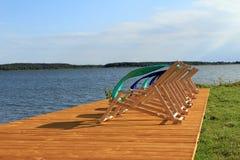 Το Sunbeds επάνω το πάτωμα Στοκ φωτογραφία με δικαίωμα ελεύθερης χρήσης