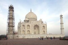 Το Taj Mahal είναι ένα άσπρο μαρμάρινο μαυσωλείο στις όχθεις του ποταμού Yamun Στοκ φωτογραφία με δικαίωμα ελεύθερης χρήσης