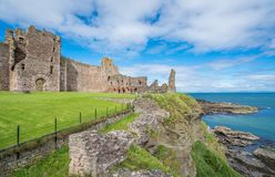 Το Tantallon Castle, ημι-φρούριο μέσος-14$ος-αιώνα, εντόπισε 5 χιλιόμετρα ανατολικά βόρεια Berwick, ανατολικό Lothian, Σκωτία Στοκ Εικόνες