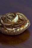 Το tartlet της Apple τρελλό κ.λπ. μοιάζει με ένα λουλούδι Στοκ Εικόνες