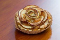 Το tartlet της Apple τρελλό κ.λπ. μοιάζει με ένα λουλούδι Στοκ εικόνες με δικαίωμα ελεύθερης χρήσης