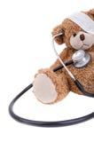 Το Teddy αντέχει με τον επίδεσμο/το γιατρό Στοκ φωτογραφία με δικαίωμα ελεύθερης χρήσης
