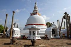 Το Thuparama Dagoba σε Anuradhapura είναι το παλαιότερο βουδιστικό dagoba στη Σρι Λάνκα Στοκ φωτογραφία με δικαίωμα ελεύθερης χρήσης