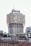Το Torre Velasca είναι το χτισμένο ουρανοξύστης το 1950 s στο Μιλάνο, Ιταλία Στοκ εικόνα με δικαίωμα ελεύθερης χρήσης
