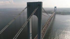Το Verrazano στενεύει τη γέφυρα πυροβοληθε'ν κηφήνας 4k απόθεμα βίντεο