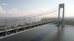 Το Verrazano στενεύει τη γέφυρα πυροβοληθε'ν κηφήνας 4k φιλμ μικρού μήκους