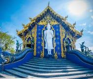 Το Wat Rong Sua οι Δέκα ναός με το υπόβαθρο μπλε ουρανού, επαρχία Chiang Rai, Ταϊλάνδη, αυτό είναι ένας δημοφιλής προορισμός στοκ φωτογραφία με δικαίωμα ελεύθερης χρήσης