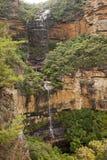 Το Wentworth πέφτει μπλε βουνά Αυστραλία στοκ φωτογραφία με δικαίωμα ελεύθερης χρήσης