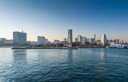 Το Yokohama Minato Mirai 21 περιοχή σε Yokohama, Kanagawa, Ιαπωνία είδε από την αποβάθρα Osanbashi Στοκ φωτογραφίες με δικαίωμα ελεύθερης χρήσης