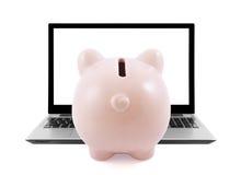 Τράπεζα και lap-top Piggy Στοκ εικόνα με δικαίωμα ελεύθερης χρήσης
