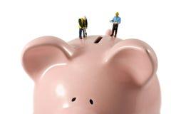 τράπεζα που φαίνεται piggy σα&sig Στοκ φωτογραφίες με δικαίωμα ελεύθερης χρήσης