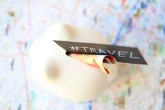 Τράπεζα Piggy ταξιδιού Στοκ φωτογραφία με δικαίωμα ελεύθερης χρήσης