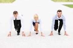 τρέξιμο έννοιας ανταγωνισμού επιχειρησιακών επιχειρηματιών χαρτοφυλάκων Στοκ Εικόνες