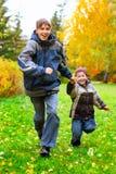 τρέξιμο αγοριών Στοκ Φωτογραφίες