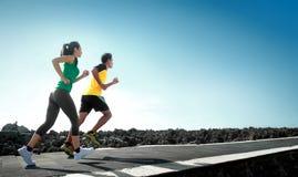 Τρέξιμο αθλητικών ανθρώπων υπαίθριο Στοκ Εικόνα