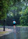 τρέξιμο βροχής στοκ εικόνα με δικαίωμα ελεύθερης χρήσης