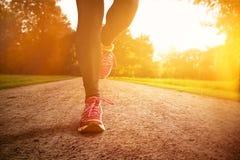 Τρέξιμο ηλιοβασιλέματος Στοκ εικόνα με δικαίωμα ελεύθερης χρήσης