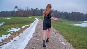 Τρέξιμο κοριτσιών ελεύθερο φιλμ μικρού μήκους