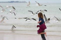τρέξιμο κοριτσιών Στοκ φωτογραφίες με δικαίωμα ελεύθερης χρήσης