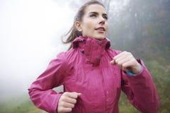 Τρέξιμο το φθινόπωρο Στοκ Εικόνα