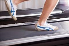 Τρέξιμο treadmill Στοκ φωτογραφία με δικαίωμα ελεύθερης χρήσης