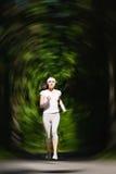 Τρέχοντας γυναίκα - θηλυκό καυκάσιο πρότυπο Στοκ Φωτογραφίες
