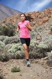 τρέχοντας γυναίκα ιχνών δρ&omi Στοκ φωτογραφίες με δικαίωμα ελεύθερης χρήσης