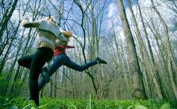τρέχοντας δάση στοκ φωτογραφία
