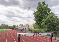 Τρέχοντας διαδρομή, Frank Bailey Field, κολλέγιο ένωσης Στοκ Φωτογραφίες