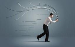 Τρέχοντας επιχειρηματίας με τη συσκευή και συρμένες τις χέρι γραμμές Στοκ Φωτογραφία