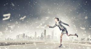 Τρέχοντας επιχειρηματίας Στοκ εικόνα με δικαίωμα ελεύθερης χρήσης