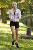 τρέχοντας ηλιοβασίλεμα Στοκ εικόνες με δικαίωμα ελεύθερης χρήσης