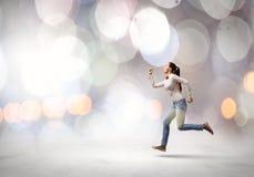 Τρέχοντας κορίτσι Στοκ φωτογραφία με δικαίωμα ελεύθερης χρήσης
