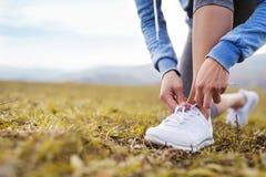 τρέχοντας νεολαίες γυν&alp Στοκ φωτογραφίες με δικαίωμα ελεύθερης χρήσης