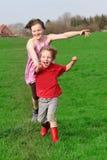 Τρέχοντας παιδιά Στοκ Εικόνες