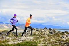 Τρέχοντας δρομείς ιχνών χωρών ανθρώπων διαγώνιοι στοκ φωτογραφία με δικαίωμα ελεύθερης χρήσης
