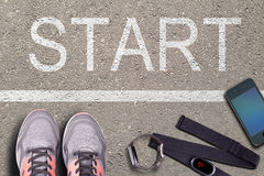 τρέχοντας χρονόμετρο με δ&i Σφυγμός μορίων οργάνων ελέγχου και ρολογιών ποσοστού αρσενικών ελαφιών Έτοιμος να τρέξει Τρέξιμο στην Στοκ Εικόνες