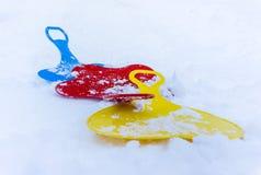 Τρία έλκηθρα στο χιόνι στοκ εικόνες