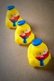 Τρία λίγος κίτρινος λαστιχένιος νεοσσός Στοκ φωτογραφία με δικαίωμα ελεύθερης χρήσης